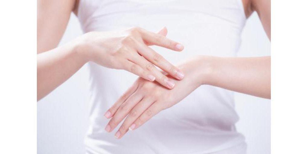 Уход за сухой кожей с помощью дермокосметики