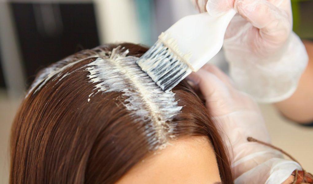 Как покрасить волосы и не повредить их
