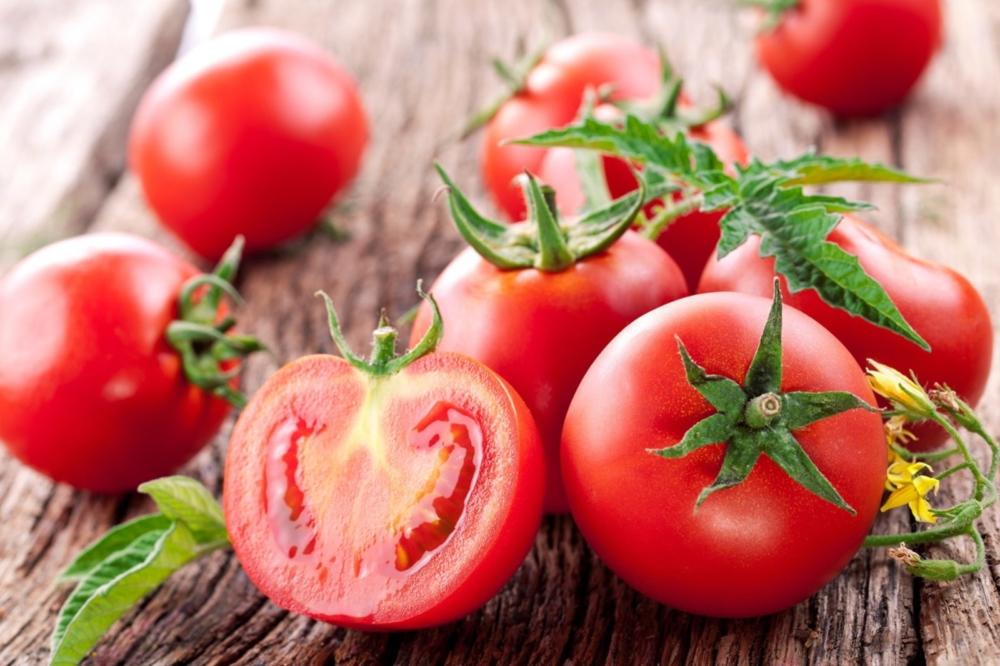 10 летних продуктов, способствующих полноценной гидратации